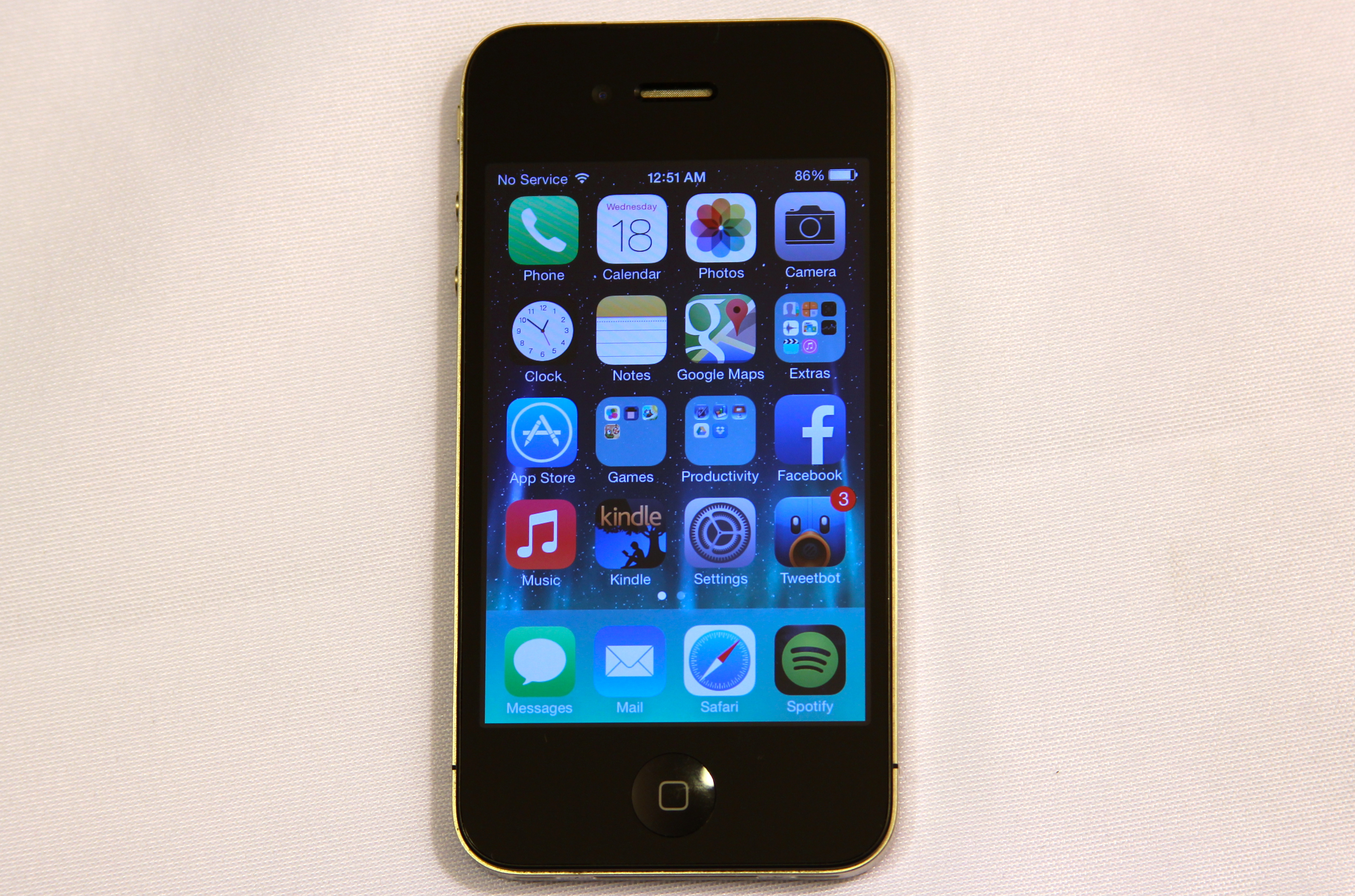 iOS 7 runs on the iPhone 4, but there are definite compromises.