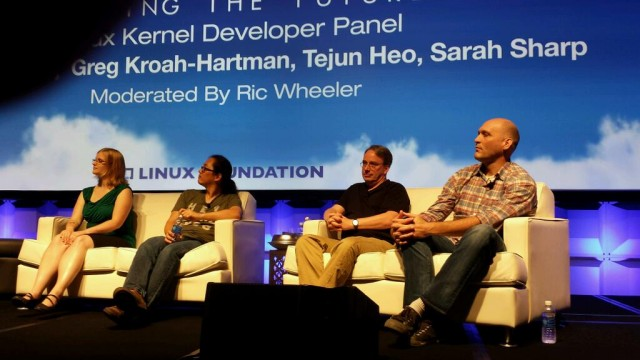 Linux kernel developer panel with (from left to right) Sarah Sharp, Tejun Heo, Linus Torvalds, and Greg Kroah-Hartman.