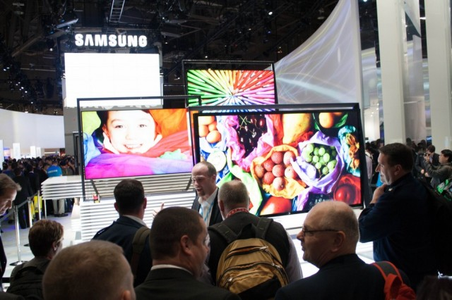Samsung's 4K <a href=&quot;http://arstechnica.com/gadgets/2013/01/time-to-cash-out-the-last-of-ces/#image-2&quot;>TVeasels</a> on display at CES 2013.