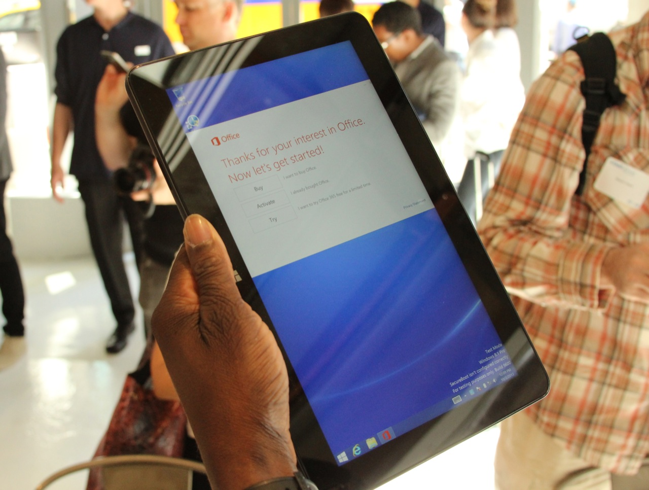 10-inch widescreen tablets: still not comfortable to hold in one hand.