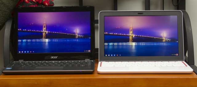 The screen doesn't look so much different from the Chromebook 11's (right) when viewed from an optimal angle.