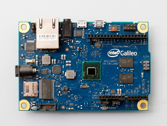 "Intel powers an Arduino for the first time with new ""Galileo"" board"