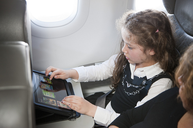 FAA panel: Wi-Fi is safe on planes even during takeoff and landing