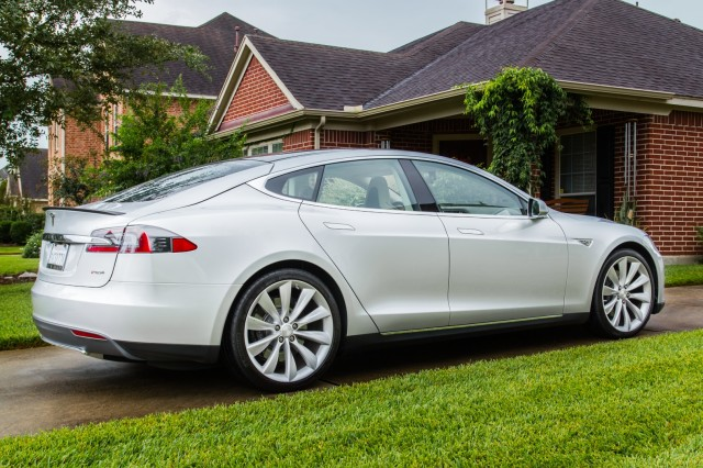 Tesla proactively recalling 90,000 Model S cars because of a single fault