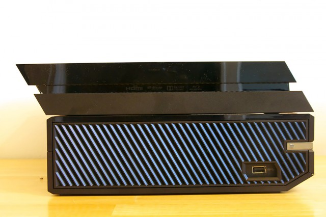 Depth-wise, the top of the Xbox One fits with the bottom of the PS4 to an uncanny degree.