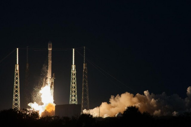 SpaceX successfully launches its first attempt at geosynchronous orbit
