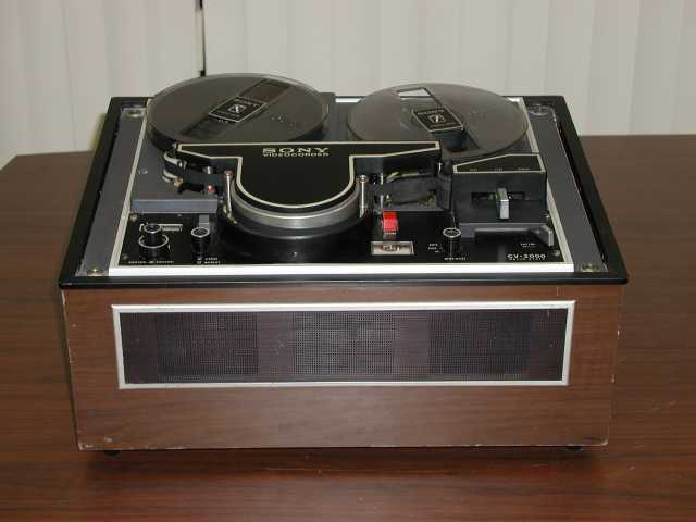 The Sony CV-2000 used 7-inch reels with 2,400 feet of half-inch tape that could record only in black-and-white.