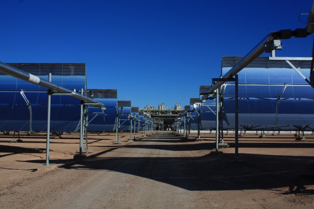 Solana's 3,200 mirrored collectors surround a central power block in Arizona.