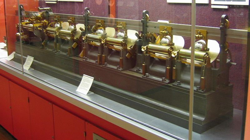 "Lord Kelvin's ""harmonic analyzer,"" with disk integrators."