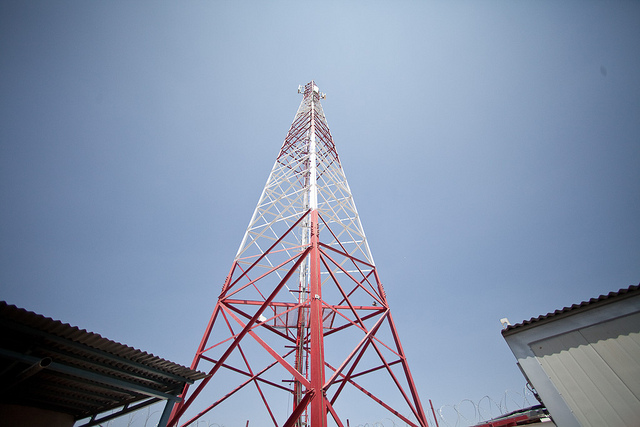 FCC's rules for spectrum auction may level playing field for small carriers