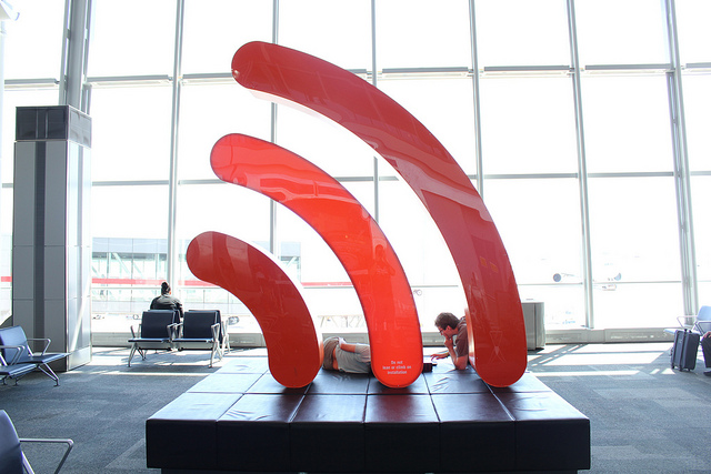Royal Society of Canada says Wi-Fi appears safe, exposure limits fine