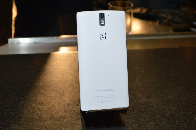 Flying the custom flag: Hands on with the OnePlus One Cyanogenmod phone