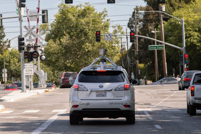 Google's self-driving cars hit 700,000 miles, learn city navigation