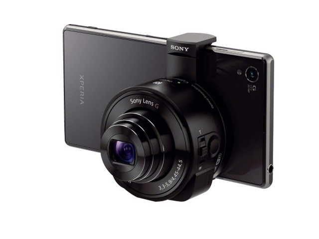 Using external lenses to make your phone a better camera isn't new. Sony's solution includes an entirely separate lens, sensor, and SD card slot.