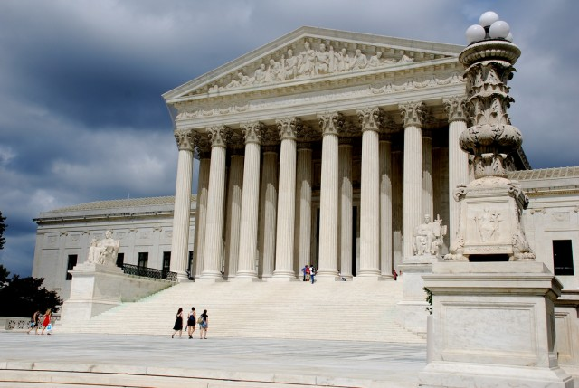 At oral arguments, Supreme Court isn't sold on Aereo