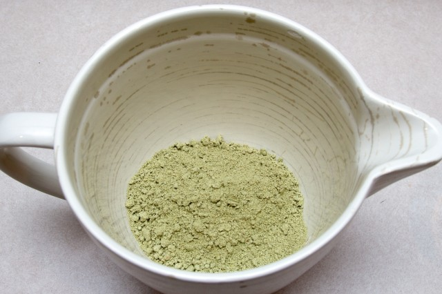 Inside Ambronite's bag lurks this green powder.