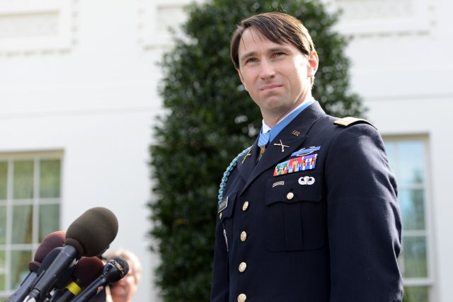 Captain William Swenson, at the White House in October, 2013 after receiving his Medal of Honor. The disappearance of his original recommendation for the medal spurred a DOD investigation of retired Gen. David Petraeus and his former staff.