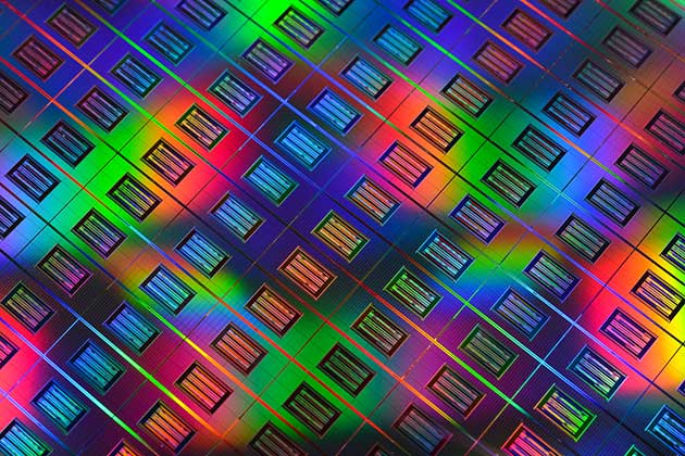 A close-up of memristor memory devices produced by HP Labs on a 300 mm silicon wafer.