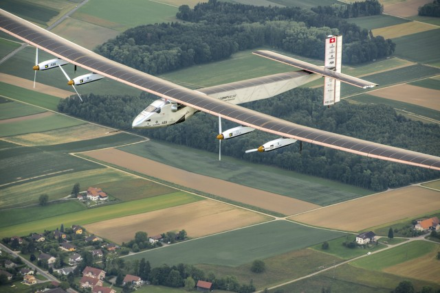 Around-the-world solar aircraft takes maiden voyage