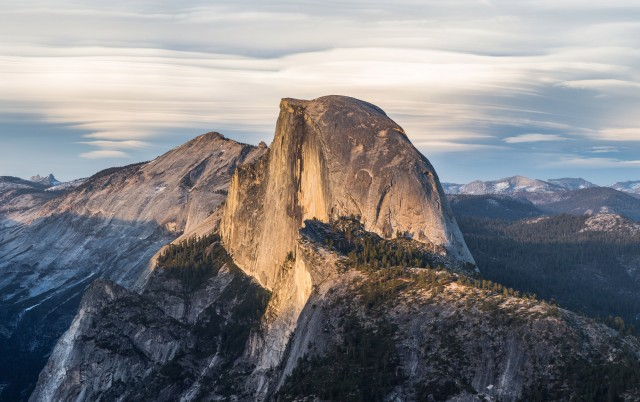 OS X Yosemite unveiled at WWDC, features big UI overhaul