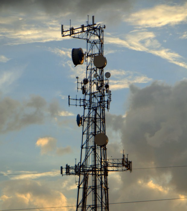 Get a warrant for cell phone location tracking, US appeals court says