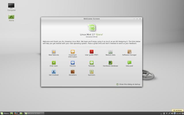 The stock Cinnamon 2.2 desktop in Linux Mint 17.