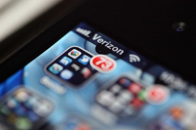 Verizon nearly doubles quarterly profits after buying Verizon Wireless