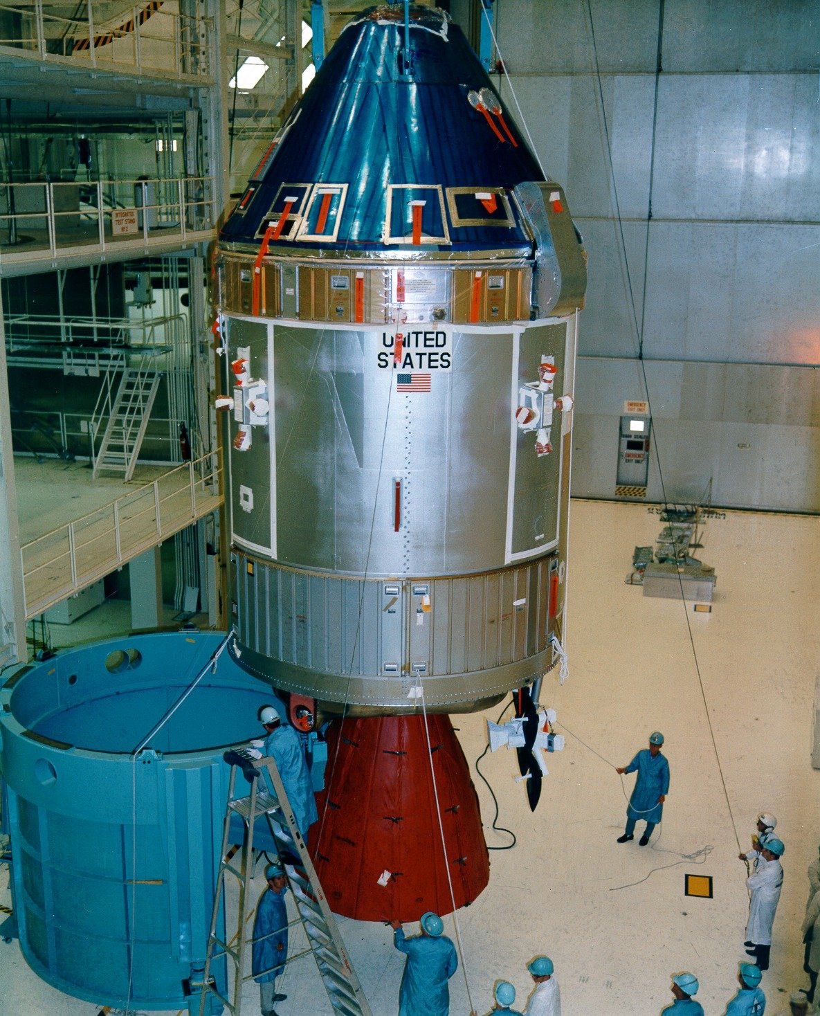 an apollo spacecraft - photo #13
