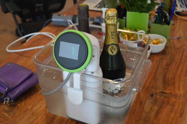 The new Nomiku is circulating chilled water to cool down the bubbly. Temperature is listed in Celsius.