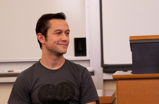 Joseph Gordon-Levitt will be Oliver Stone's Snowden this December [Updated]