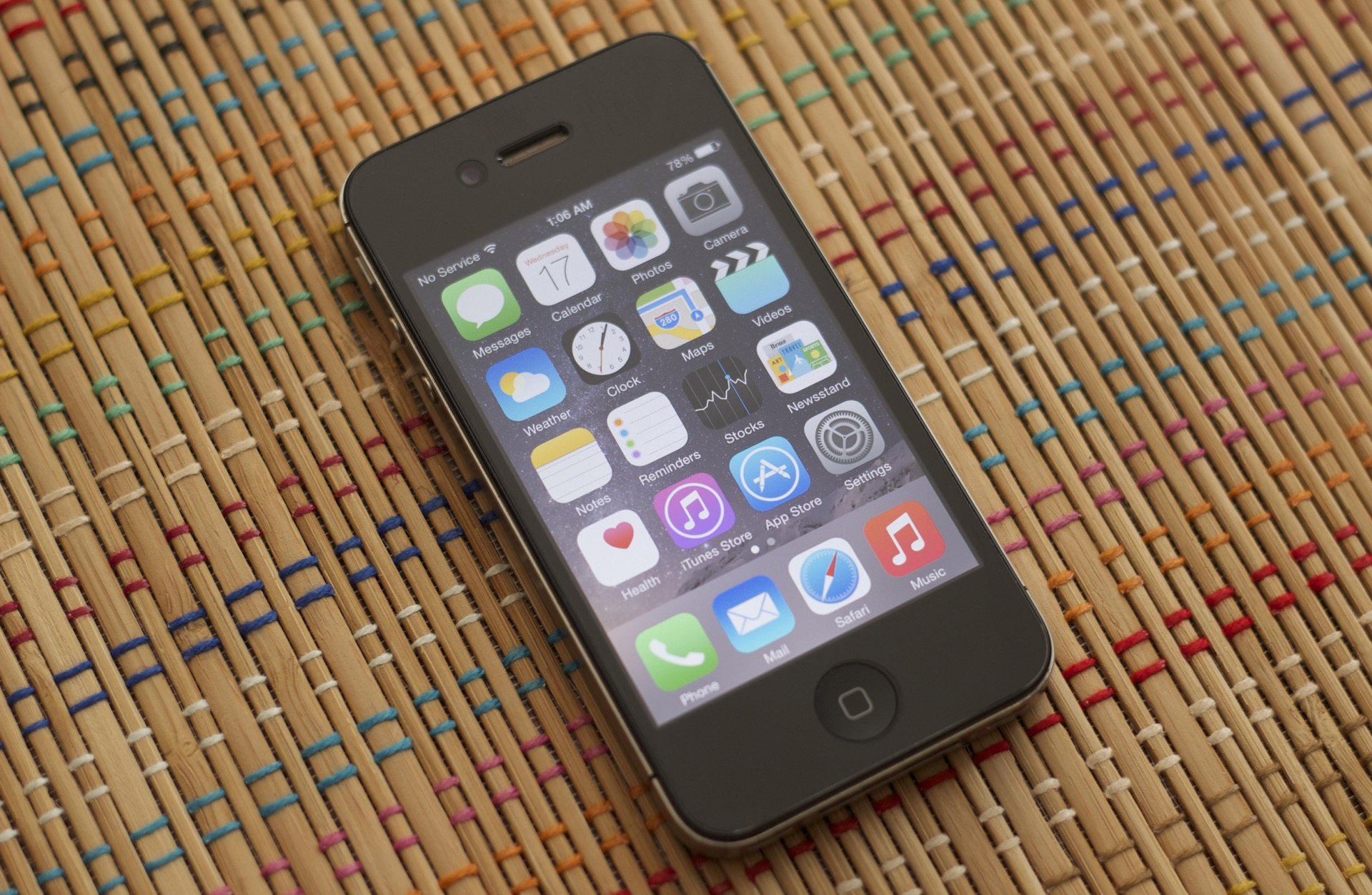 ios 8 on iphone 4s ios 8 on the iphone 4s performance isn t the only 8781