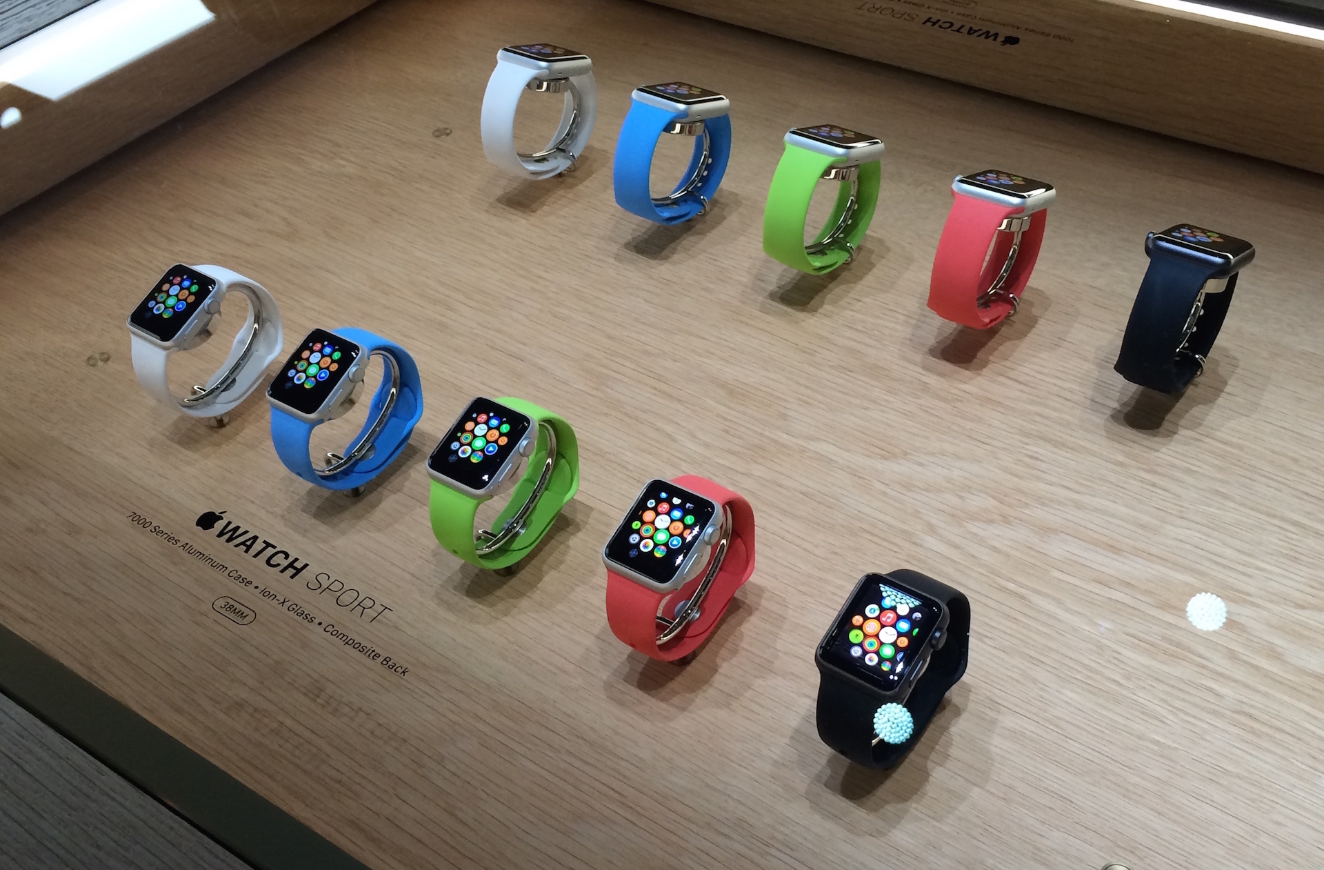 What Can Teach Us The 1.0 Versions of The Products Apple about Apple Watch