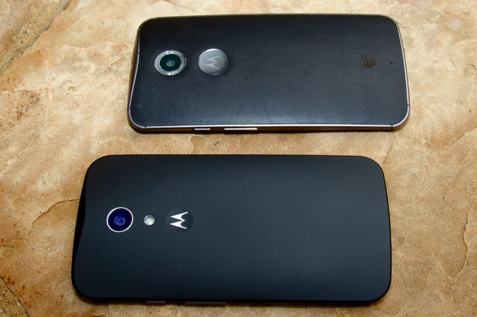 The Moto X we received has a leather back (top), while the Moto G was black rubberized plastic. Both devices are highly customizable with an array of colors and materials.