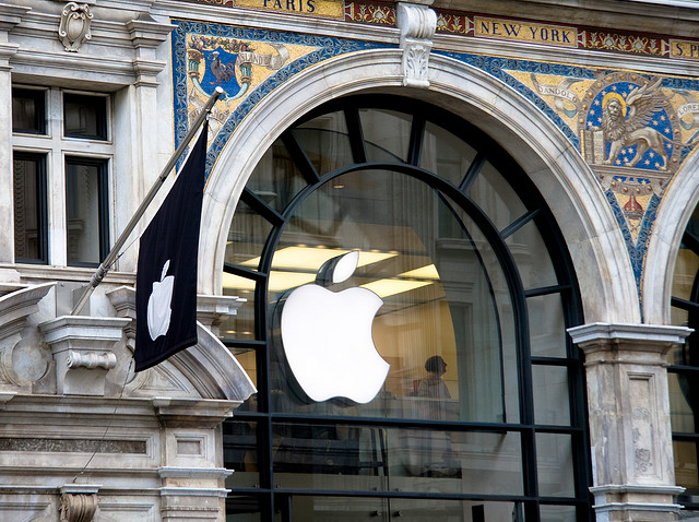 No, Apple probably didn't get new secret gov't orders to hand over data