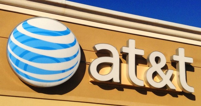 AT&T: Cities should never offer Internet service where ISPs already do or might later