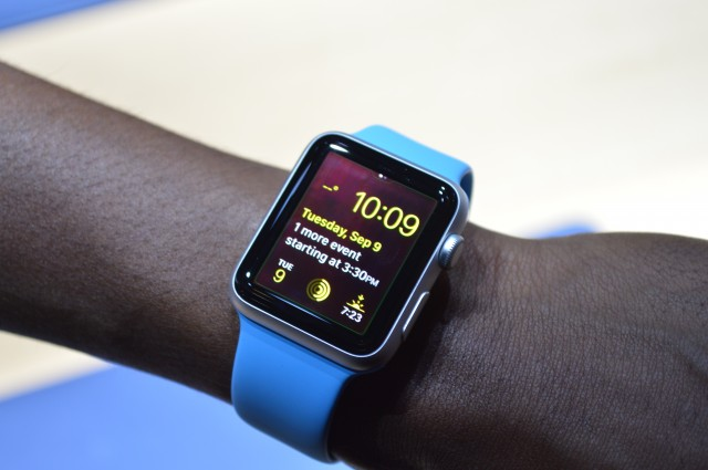 Apple releases watchOS 2.0.1 update to fix battery bugs and more