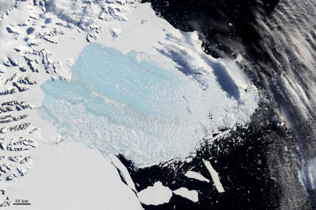 Satellite view of the remains of the Larsen B ice shelf on March 7, 2002.
