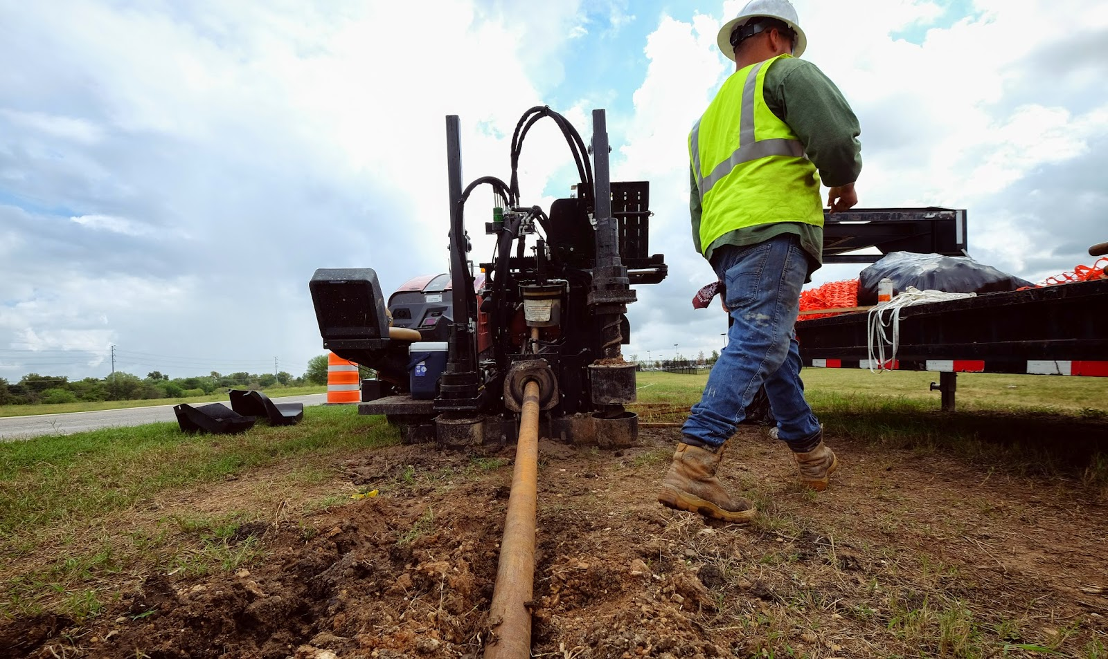 A Google Fiber construction crew in Austin uses a steerable bore head to create an underground path for fiber.
