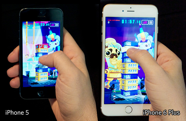 The iPhone 5 (left) and the iPhone 6 (right) played with one hand.
