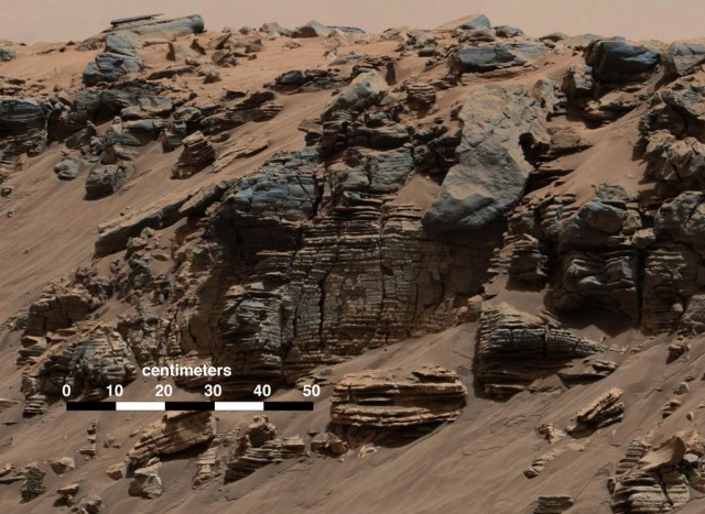 NASA researchers think Curiosity rover's Mars crater once held a lake
