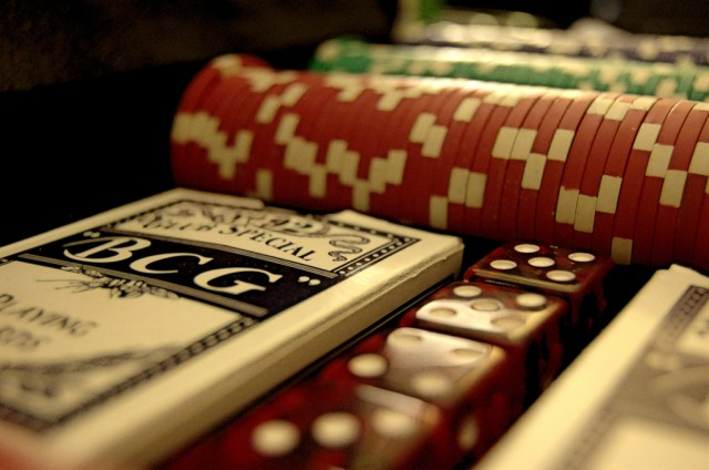 "Computers used to ""solve"" two-person, limit Texas hold'em"