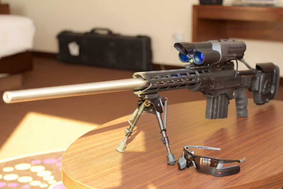 "TrackingPoint shows off the ""Mile Maker,"" a rifle with 1,800-yard range"
