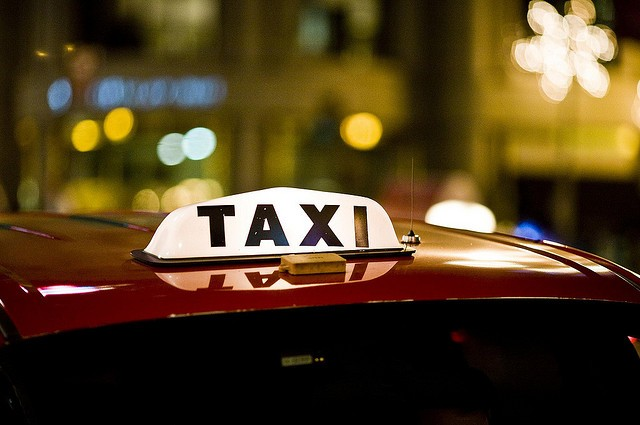 Cabbies say Boston allows Uber, Lyft to operate illegally