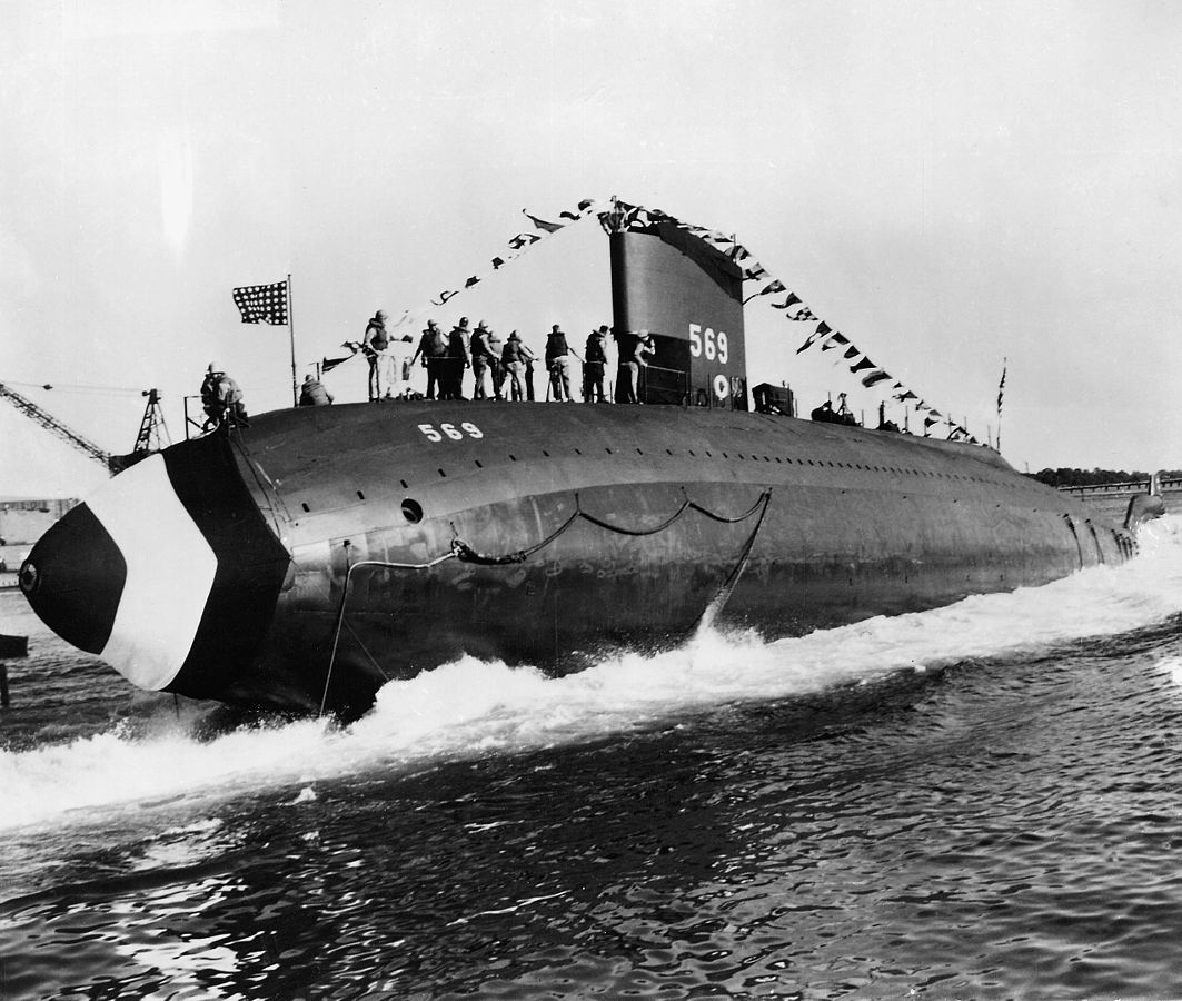 USS Albacore (AGSS-569), launching 1953.