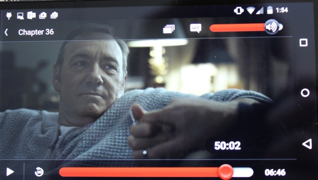 Spoiler alert: In <em>House of Cards</em>' season three finale, Kevin Spacey wears a bathrobe. Sorry!!