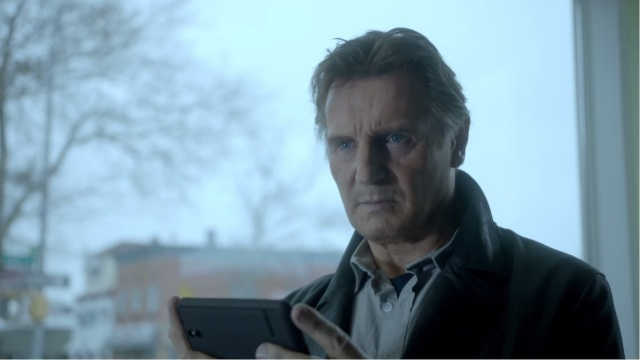 Note that Liam Neeson was not holding an Xbox controller during last night's Super Bowl ad.