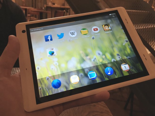 The reference MIPS-based Firefox OS tablet, made by Ingenic.