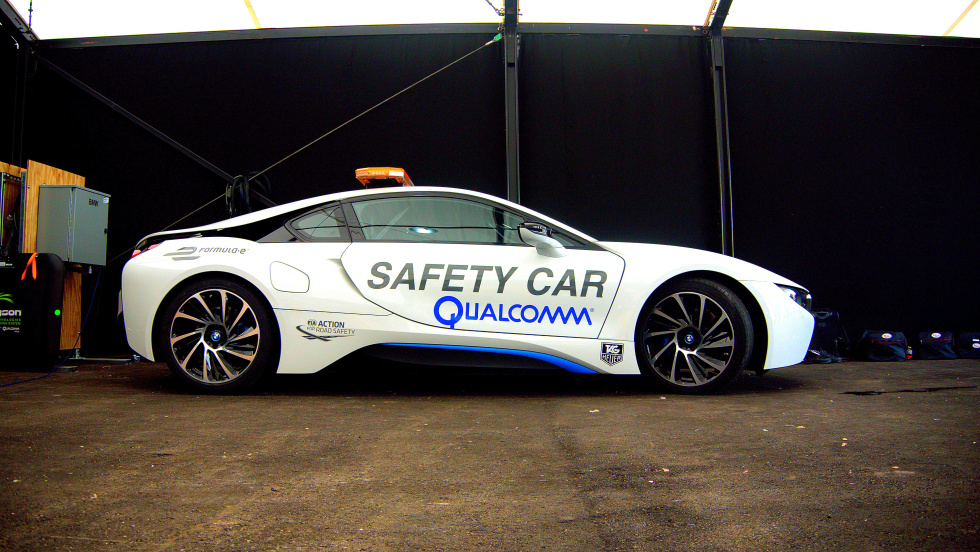 Cutting the cord: Ars goes hands-on with Qualcomm Halo wireless car charging