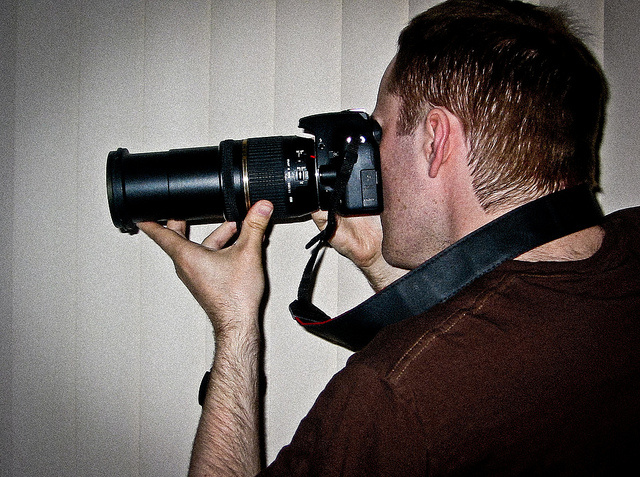 For art's sake! Photoing neighbors with zoom lens not a privacy invasion