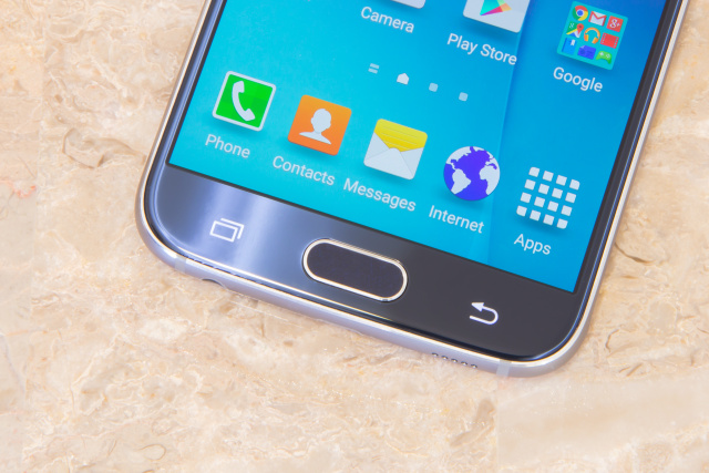 Samsung Galaxy S6 review: It's what's on the outside that counts